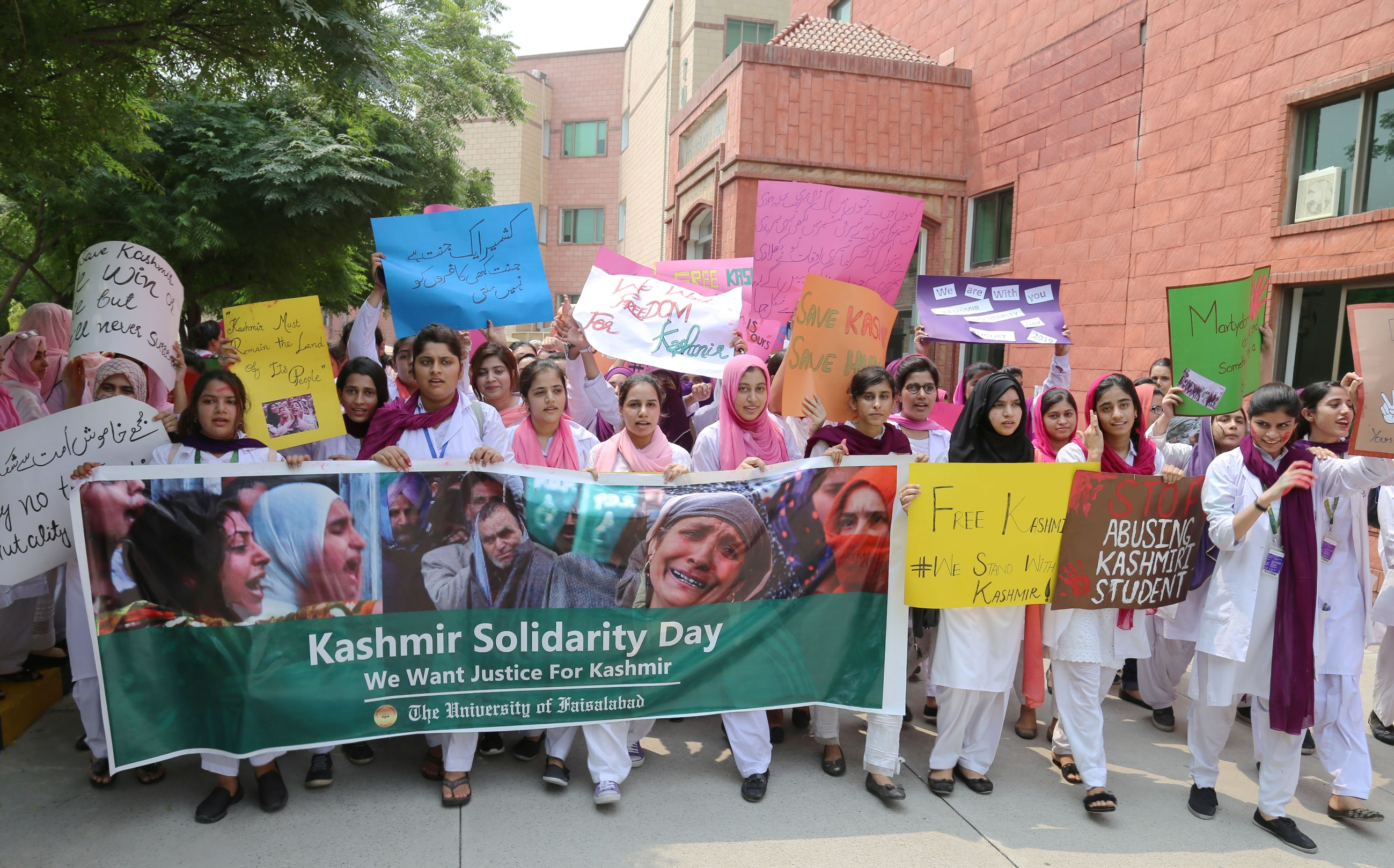 tufians-vow-to-stand-by-oppressed-kashmiris